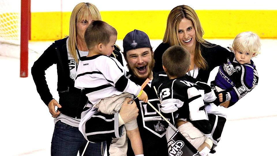 Hockey Wives Season 2_2