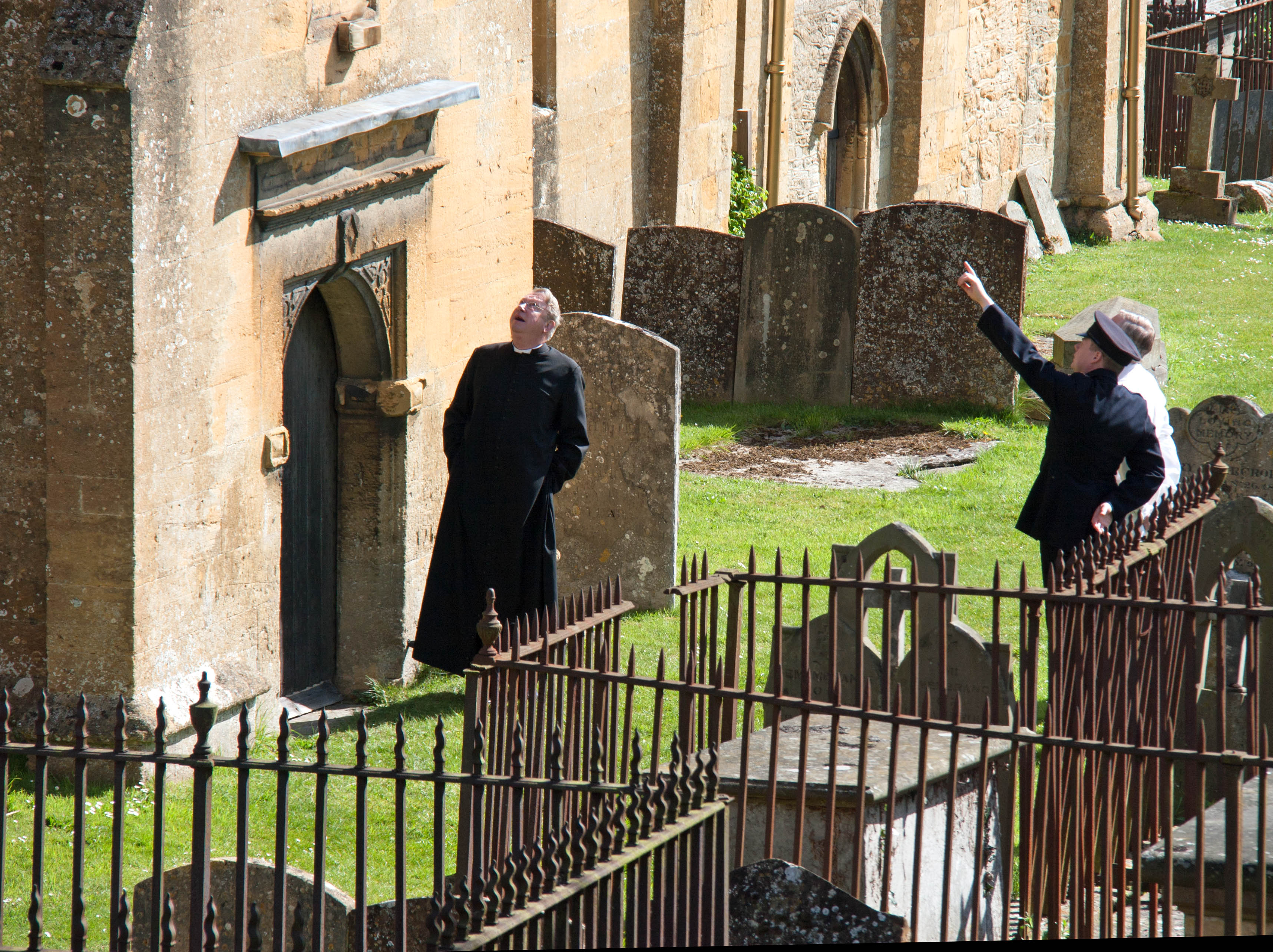 444 Father Brown. The Mask of the Demon 3