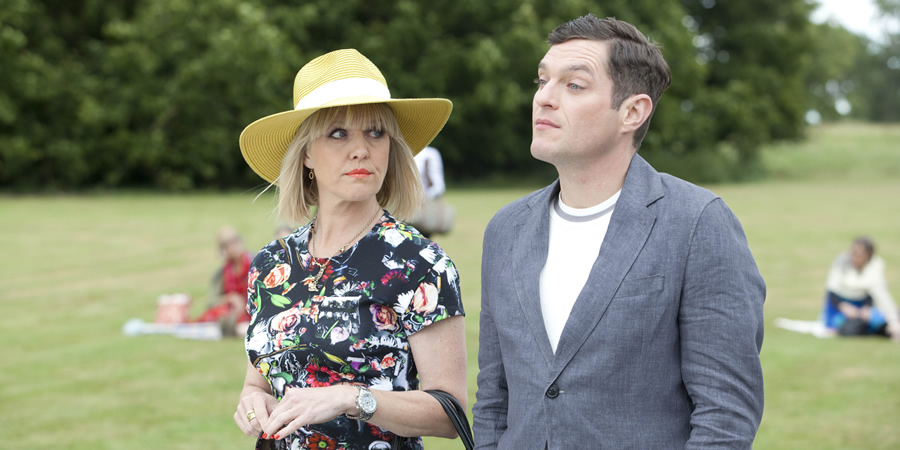 "444 ""Agatha Raisin"" season 2 2"