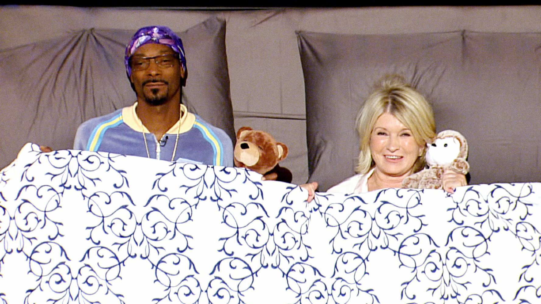 Martha and Snoop`s Potluck Dinner Party Season 2 1
