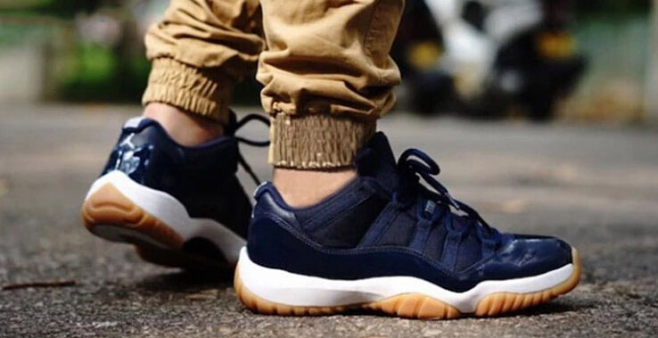 Air Jordan 11 Midnight Navy 2