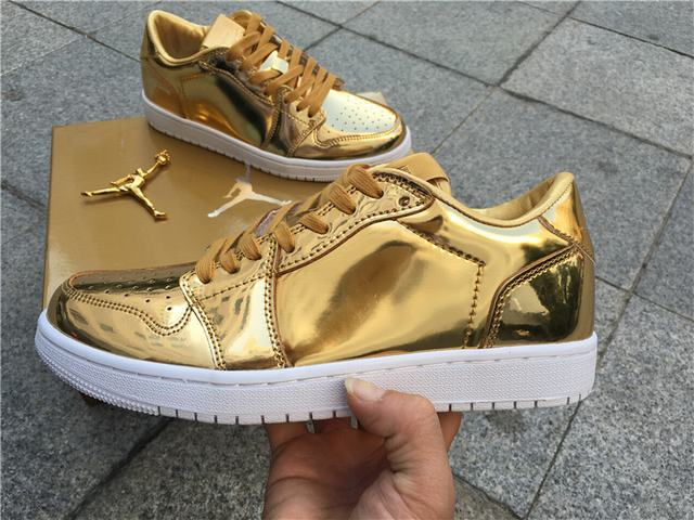 Air Jordan 1 low pinnacle gold 3